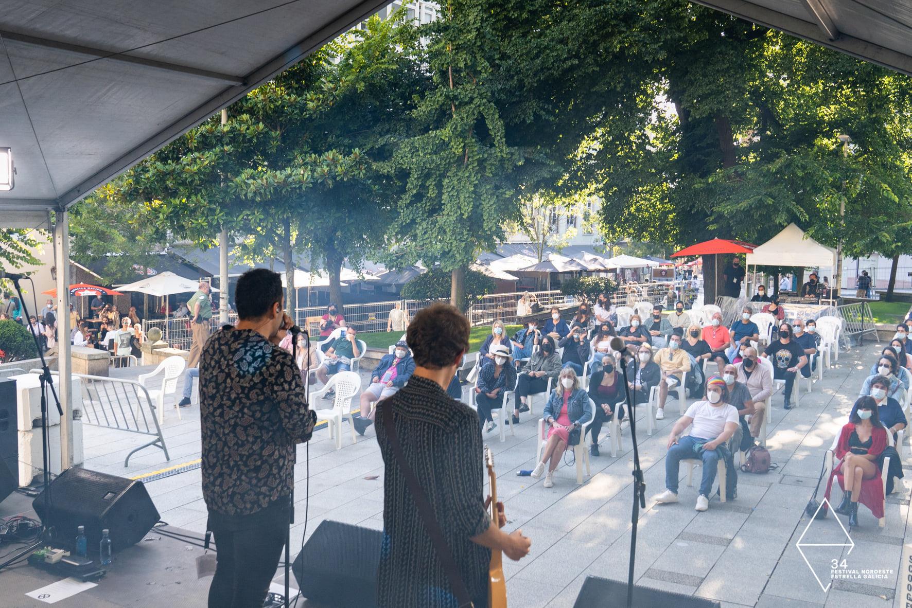 Ataque Escampe y Chasis cumplen la promesa de un cielo despejado en el Campo da Leña y hacen vibrar al público con su música