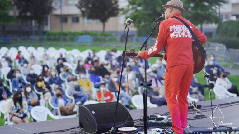 Víctor Coyote y Tito Ramírez tiñen el Parque Europa de música con ritmos rock de lo más latinos