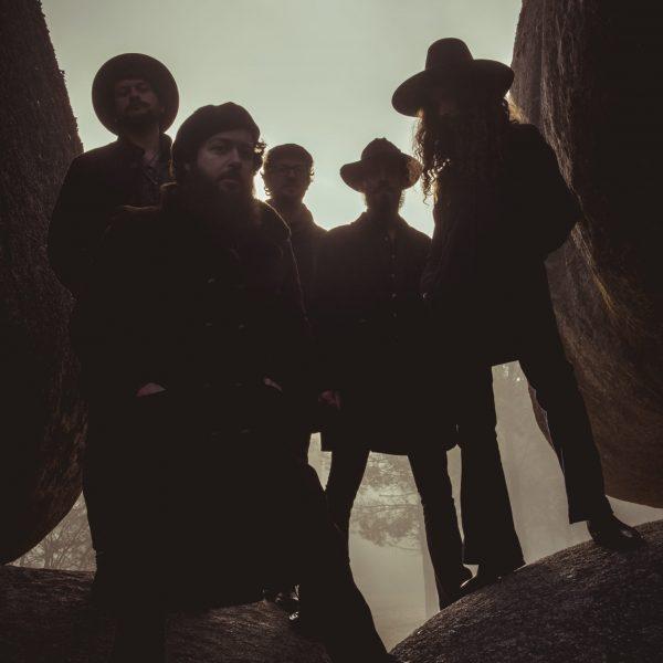 MOURA - oscura - vertical alta